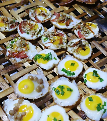 """Husband & Wife"" quails eggs"