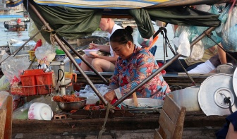 Pho stall Cai Rang
