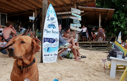 Marimegmeg beach Bar