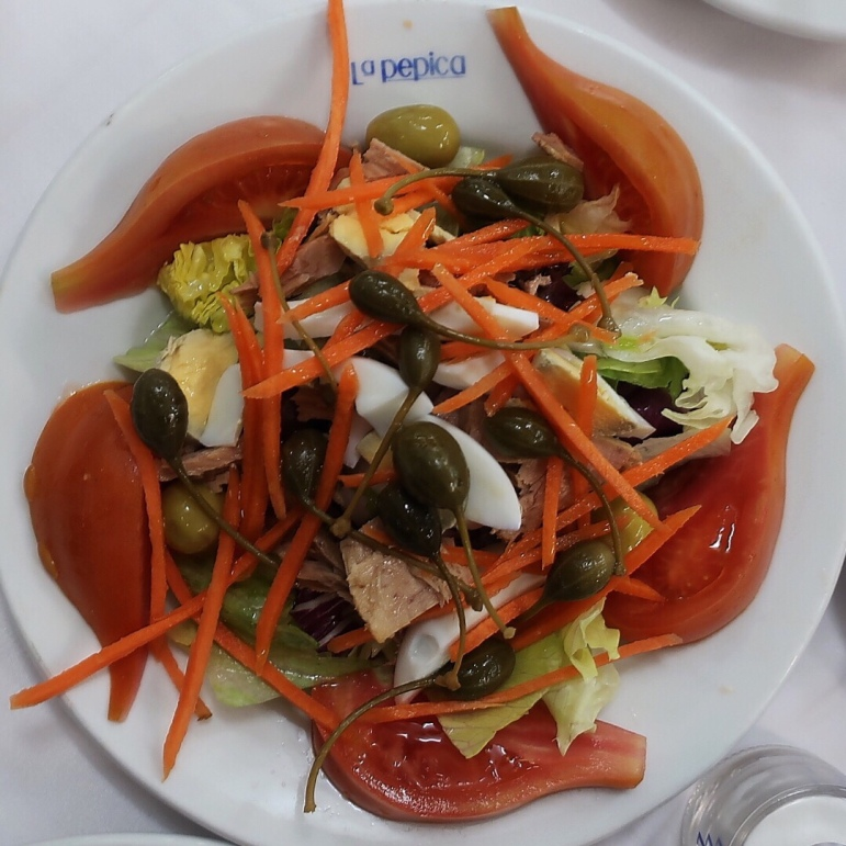 Valencia tomato salad